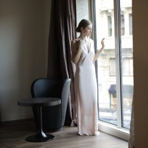 Tips For Wearing A Floor Length Dress With A Sweep Train